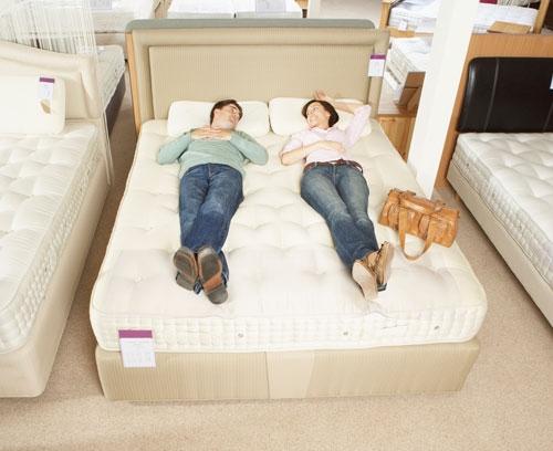 Como comprar um colchão para o casal sem errar